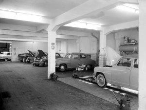 Renault Frégate (foto: Fotopersbureau Het Zuiden; coll. Erfgoed 's-Hertogenbosch)